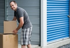 Storing goods in secure units